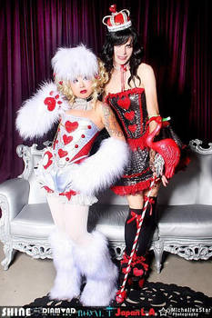 WHITE RABBIT AND RED QUEEN