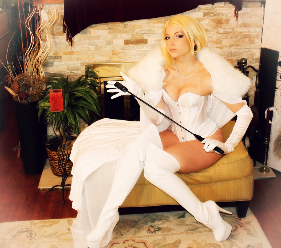 [Musas do Cosplay] Teach_my_hellions_a_lesson_by_cosplaybutterfly-d7dbs09