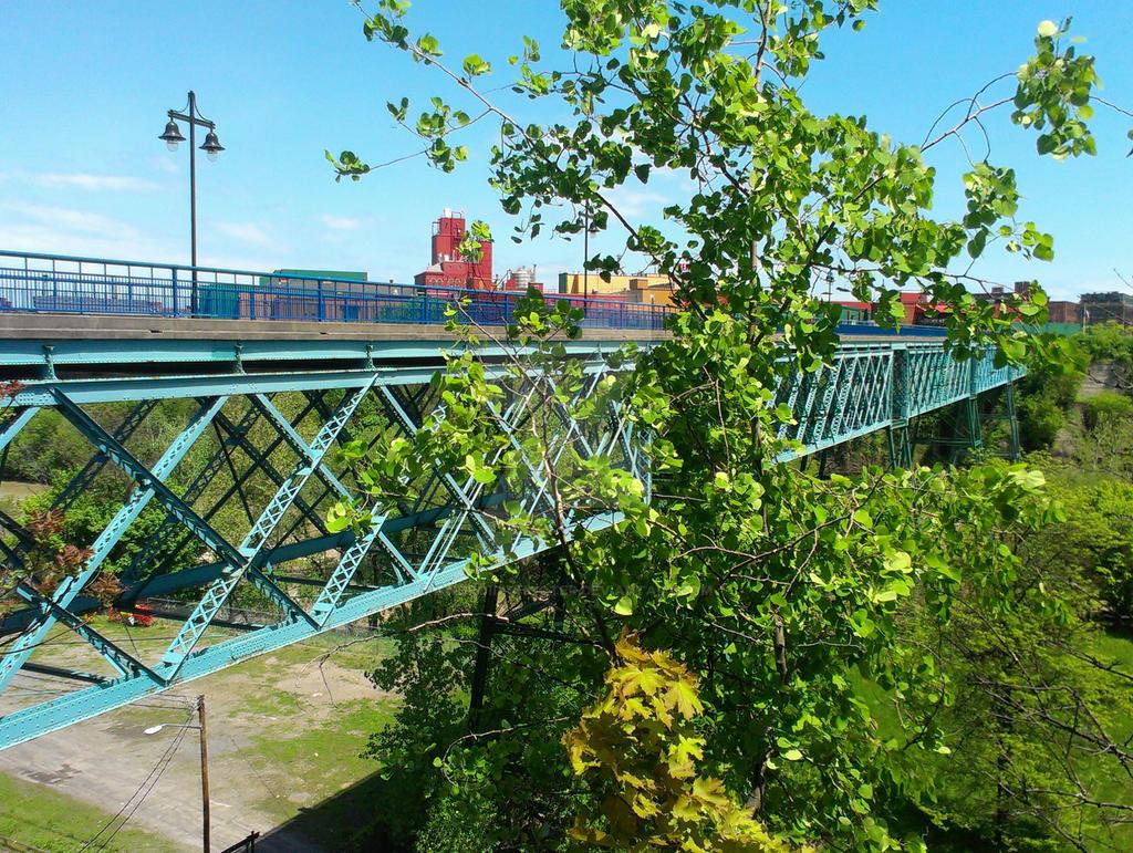 Pont De Rennes Bridge by Android-shooter