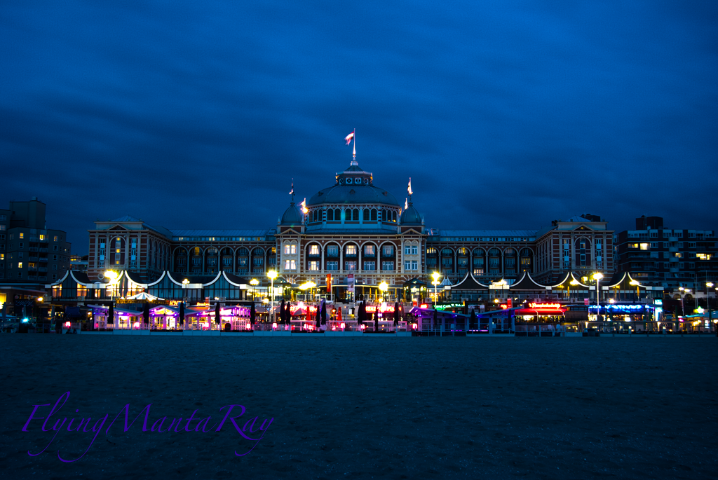 Kurhaus at night. by FlyingMantaRay