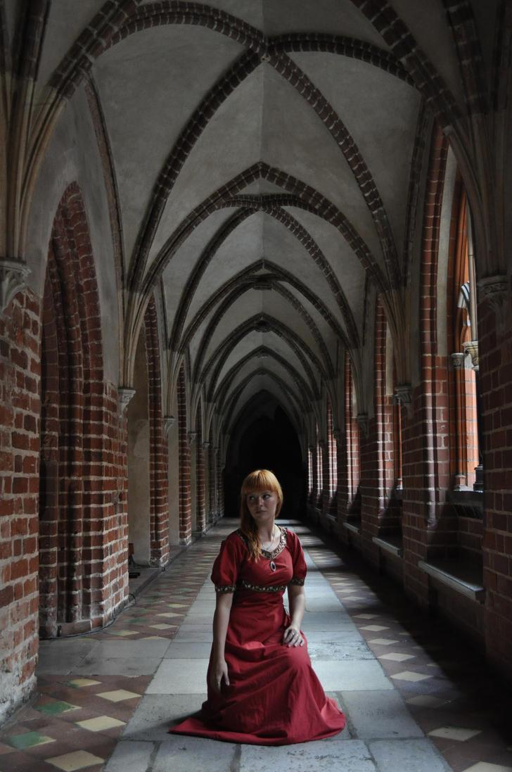 Red Priestess - corridor by HypnoticRose