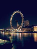 London Eye by AlmAArietis