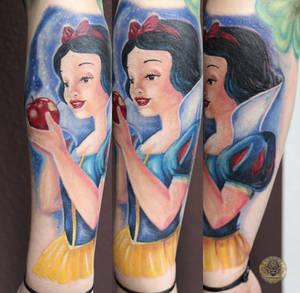 Snow White color