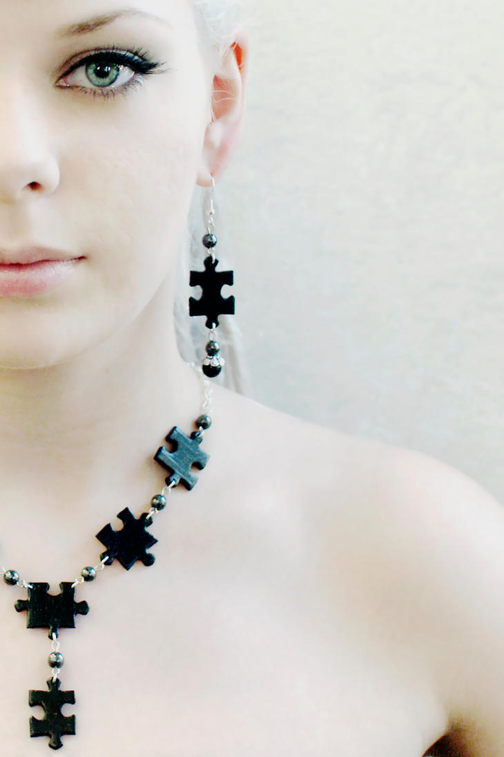 Puzzle jewelry by Minnu