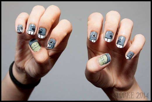 Totoro Nails 02