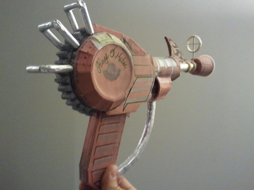 Call Of Duty Ray Gun Papercraft 2013-04-27 18.34 By