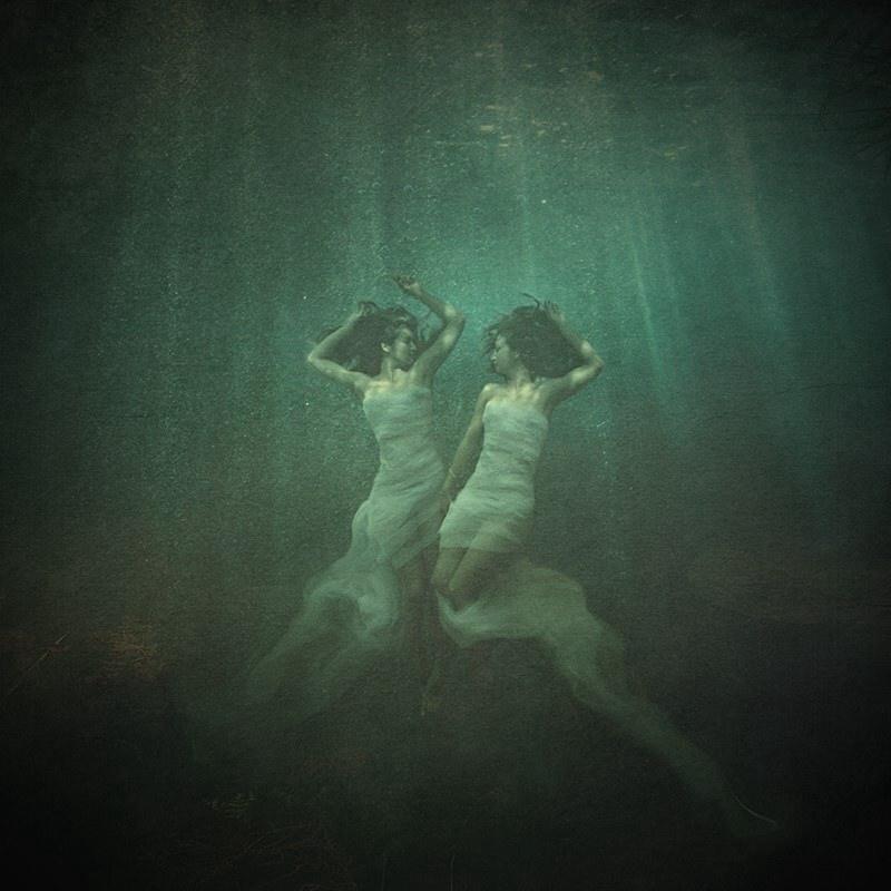 Siren's dance by LaMusaTriste