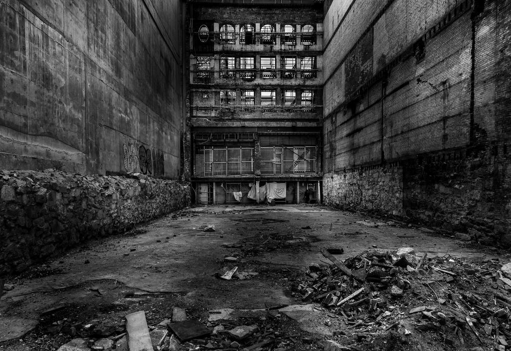 Empty BW by nigel3