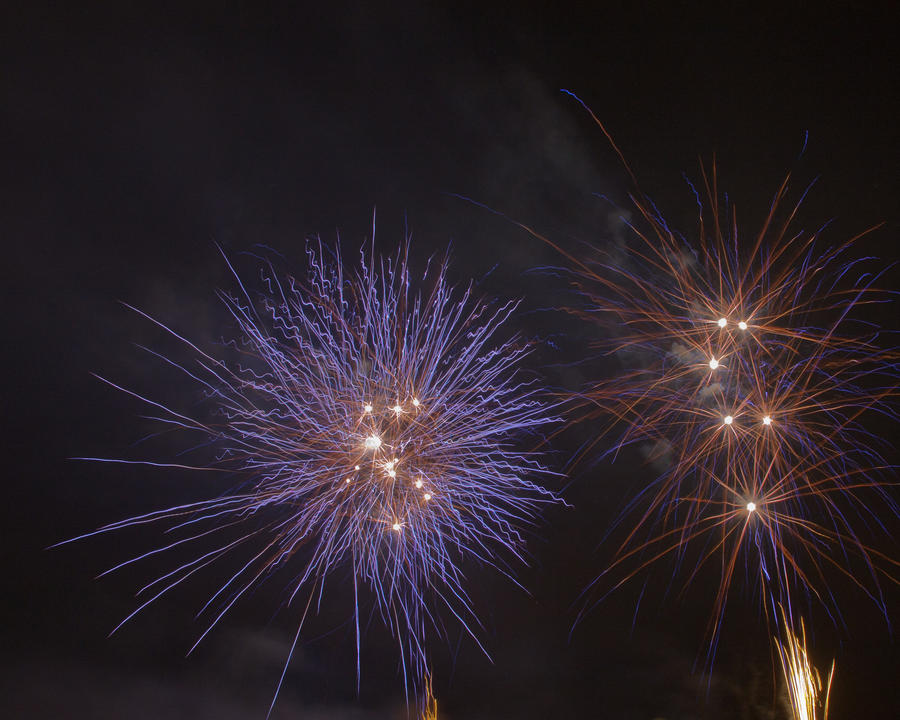 Fireworks 4 by crispynoodle