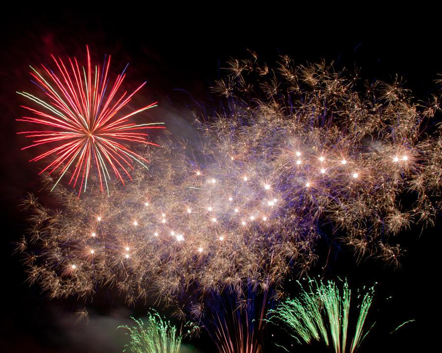 Fireworks 8 by crispynoodle