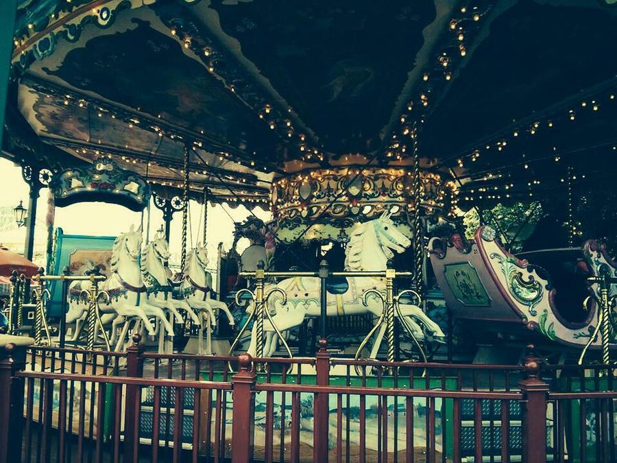 Merry-go-round by PumpkinJackey
