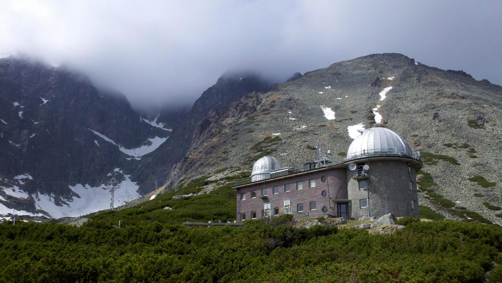 Skalnate pleso High Tatras by TakyJedenChalan on DeviantArt