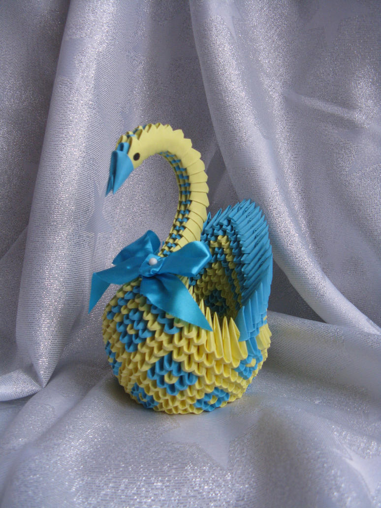 Diamond Patterned Swan by DreamsComeTrue2