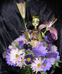 Monster High Bee in flowers