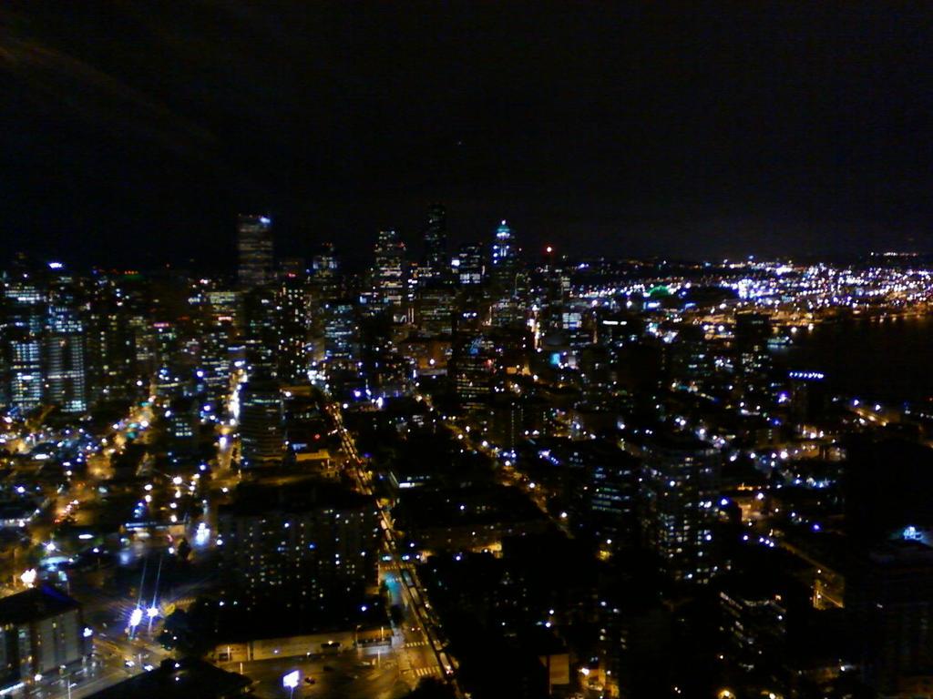 Seattle skyline at night by silvermoonlight217 on deviantart - Monster high wallpaper border ...
