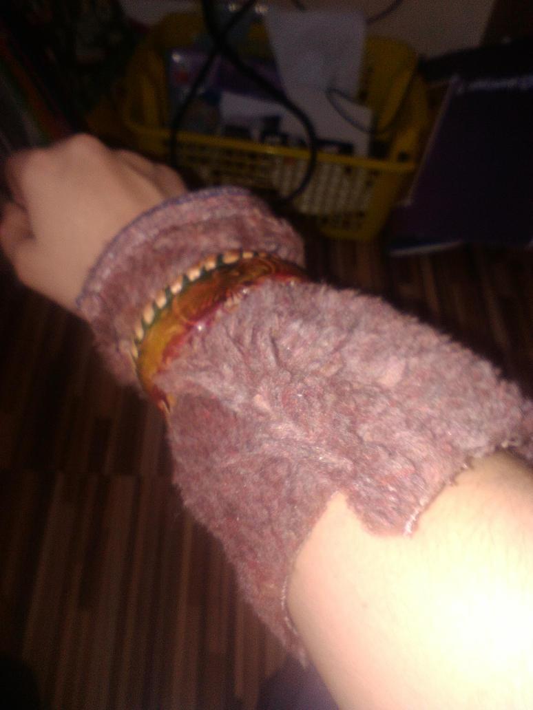Left Hand fur by NeoWUniks