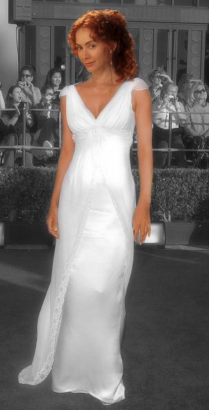 http://fc09.deviantart.net/fs21/f/2007/232/7/6/Andrea_Lopez_as_Artemis_by_seline_bennet.png