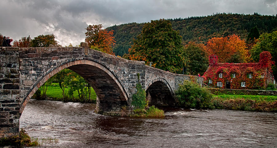 Trefriw Bridge by CharmingPhotography