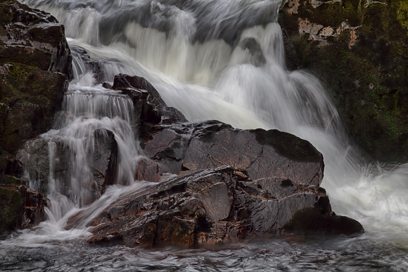 Stopping the flow by CharmingPhotography