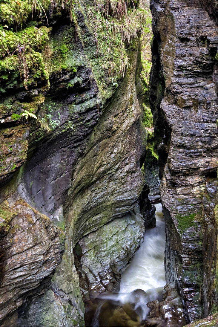 Canyon mouth by CharmingPhotography