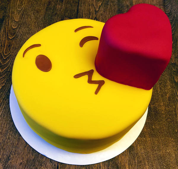 Cake Emoji Art : Emoji cake by EnchantedWhisk on DeviantArt