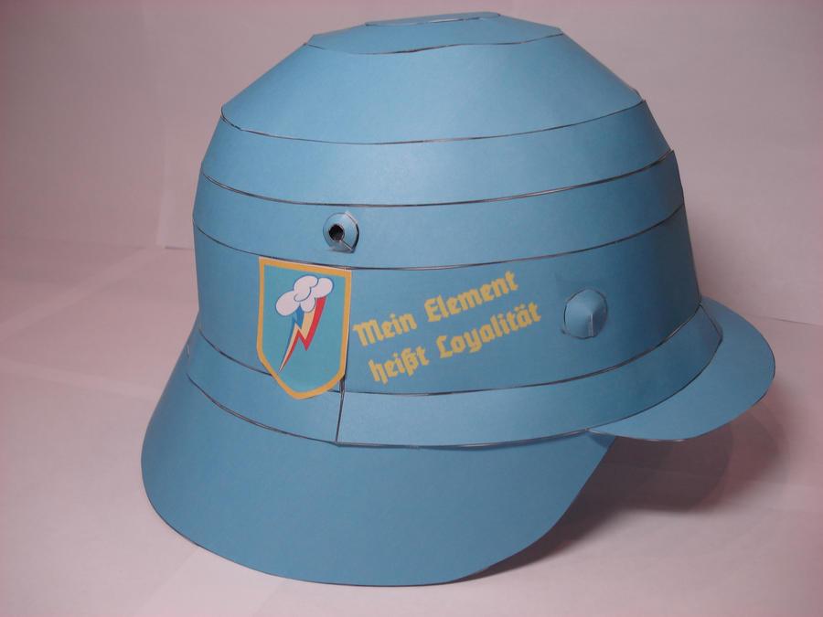 Rainbow Dash combat helmet papercraft by RocketmanTan