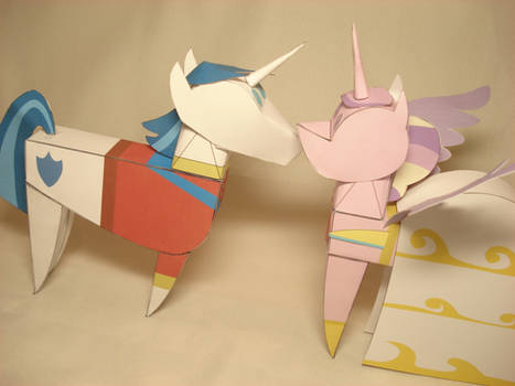 Shining Armor + Cadence doll papercrafts