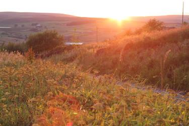 Last glimmer before sunset by kwijiboenator