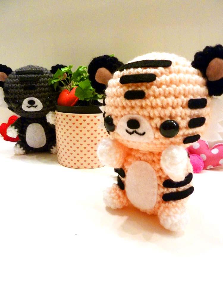 Valentines Day Tiger Amigurumi by cuteamigurumi