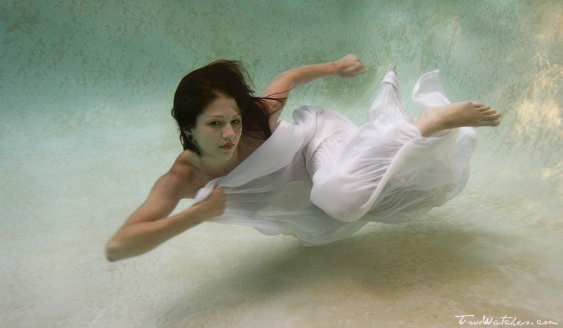 Amanda Underwater 2 by TwoWatches