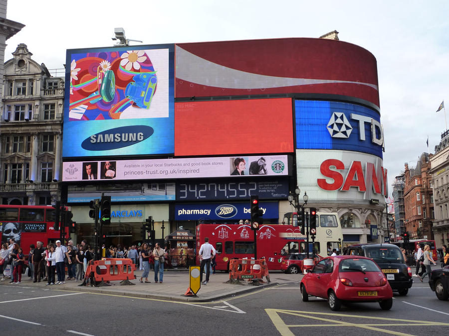 Piccadilly_Circus_2009
