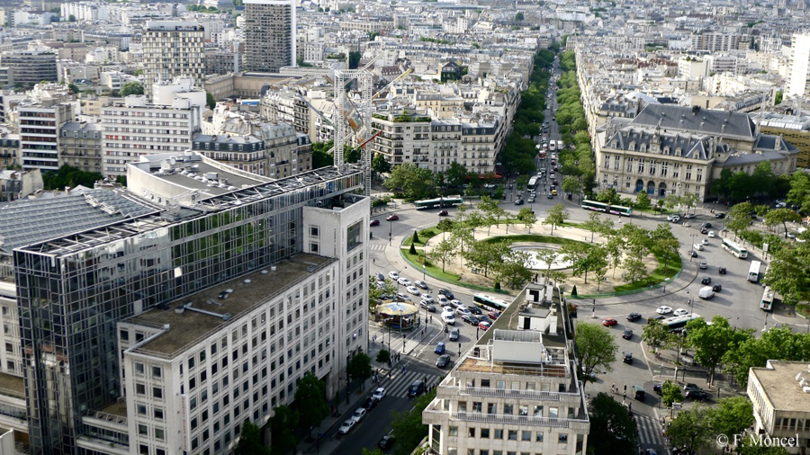 Paris Ville Mythique. by Frederic-Moncel