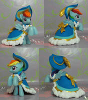 Princess Coronation Rainbow Dash by SanadaOokmai