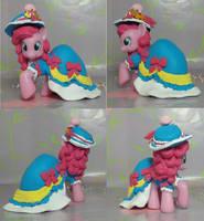 Princess Coronation Pinkie Pie by SanadaOokmai