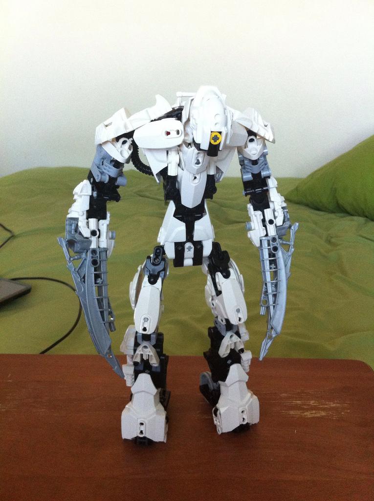 Bushiro Mk II by DarkCrusader12