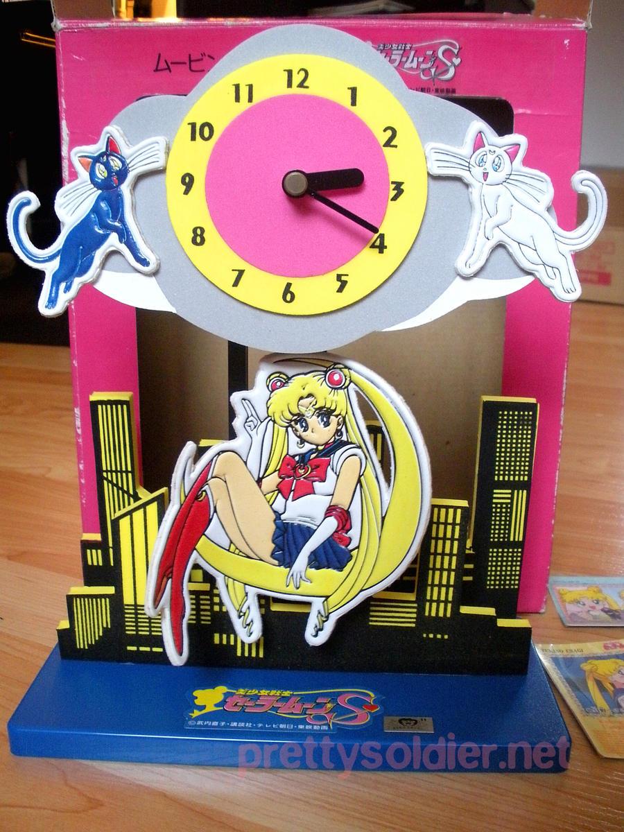 SailormoonS Moving Clock by kelleyko
