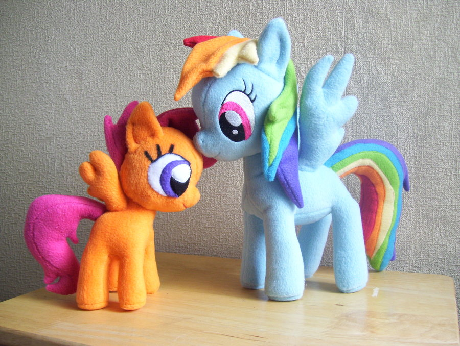 Rainbow Dash and Scootaloo Plushies by PlushieScraleos