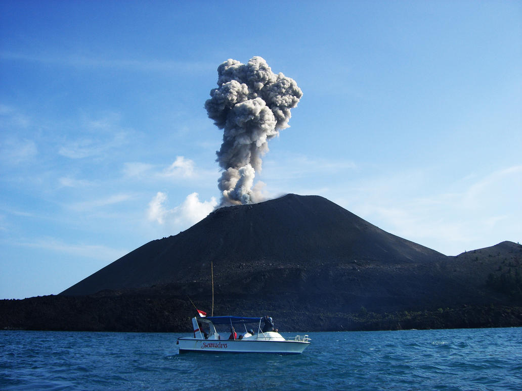 Eruption at Anak Krakatoa by magregre