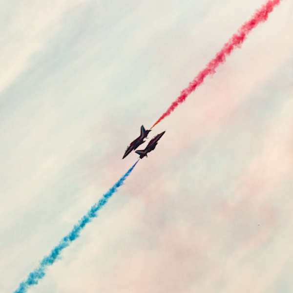 Red Arrows IV by toosas