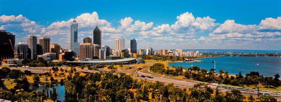 Perth, Australia by kouiskas