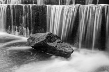 Rock under the Waterfall by mhmalali
