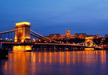 Six seconds of Budapest by Cauldfield