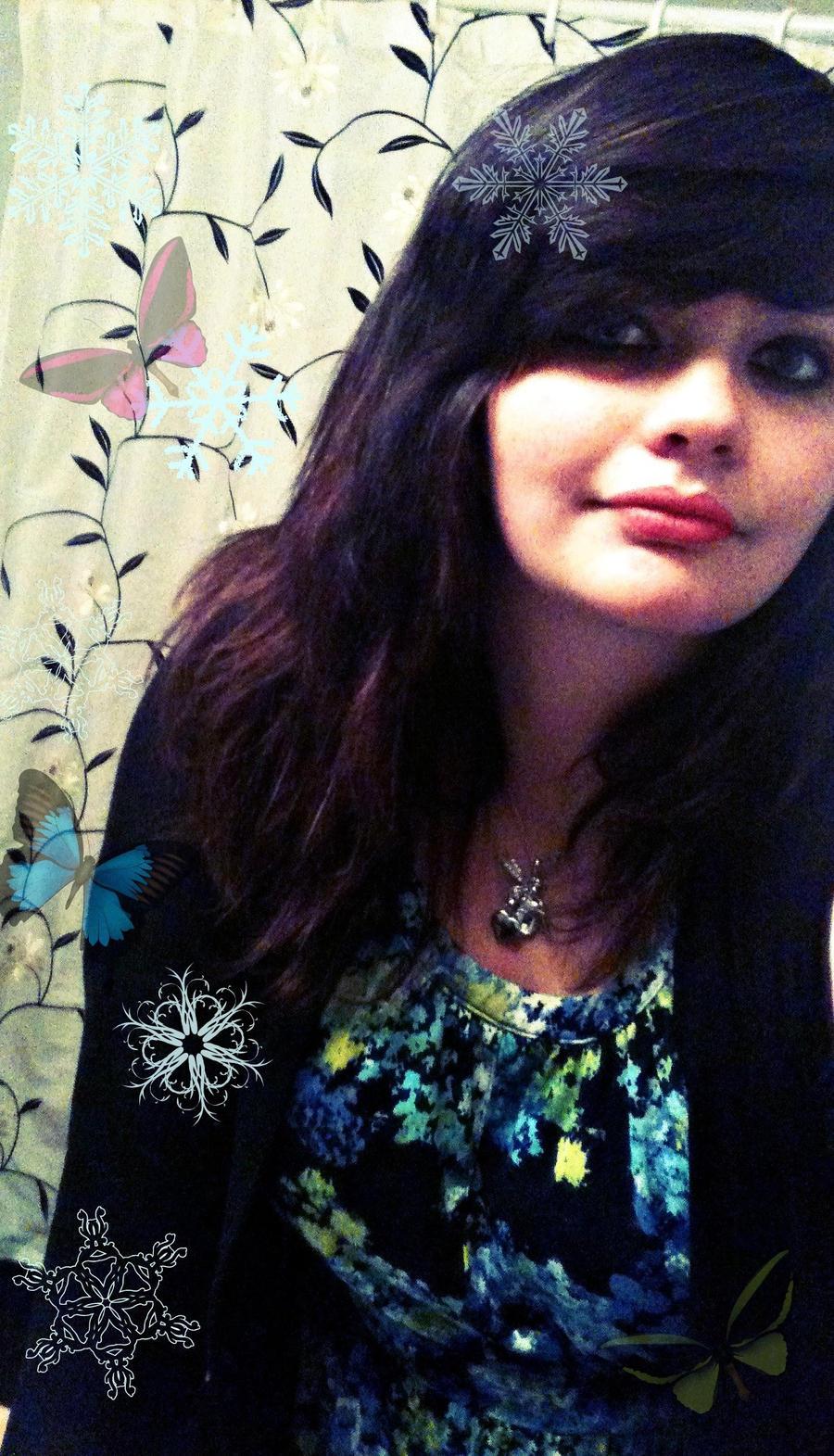 AkwardPixieGurl's Profile Picture