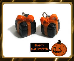 Halloween Present Box Charms by chat-noir