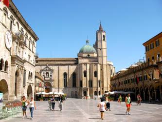 Piazza del Popolo, Ascoli Piceno by EdwardWho