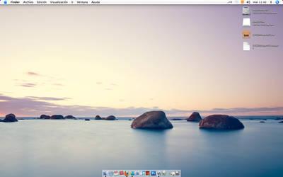 Desktop 001 by manueek