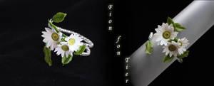 Daisy bracelet by fion-fon-tier