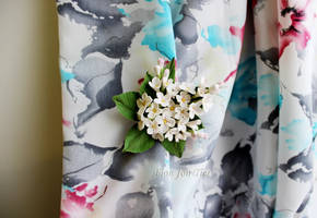 White lilac brooch-hairpin by fion-fon-tier