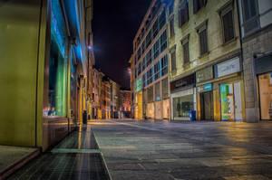 Bergamo empty by night by qwstarplayer