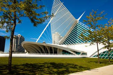 Milwaukee's Sails by mikebranski